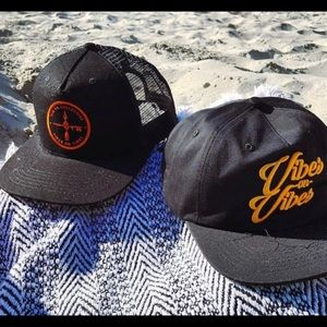 the SD Collective Accessories - NEW mesh SnapBack San Diego black Hat